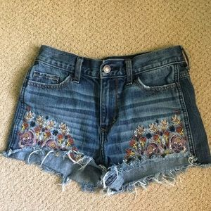 Embroidered high waisted shorts!